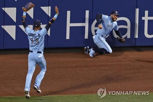 류현진, 5회말 연속 5안타 맞고 '와르르'…10승 도전 실패(종합2보)
