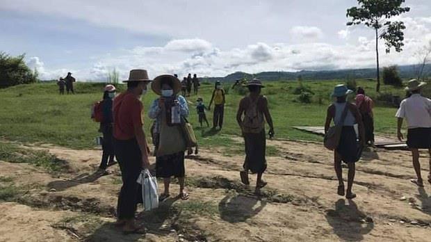 미얀마서 확진자 수십명, 정부군-반군 교전 피해 정글로 피신