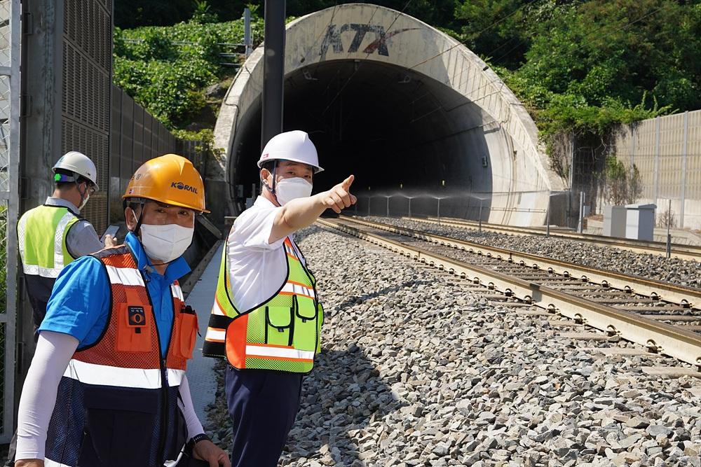 한국철도, 폭염 속 근로자 보호·열차 안전 운행 총력