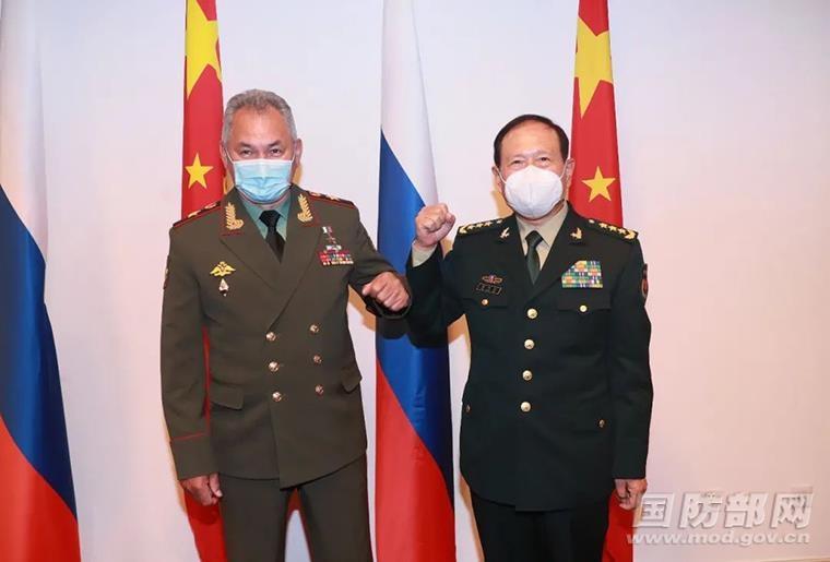 """美와 각세운 中, 러와 국방장관회담…""""핵심이익 결연히 수호"""""""