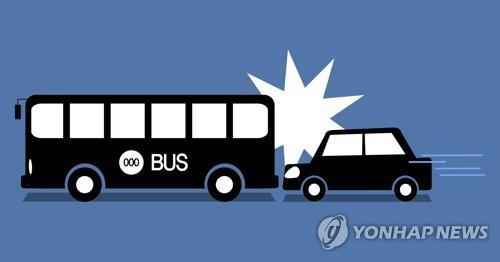 부천서 승용차가 정차 중이던 버스 들이받아…1명 사망