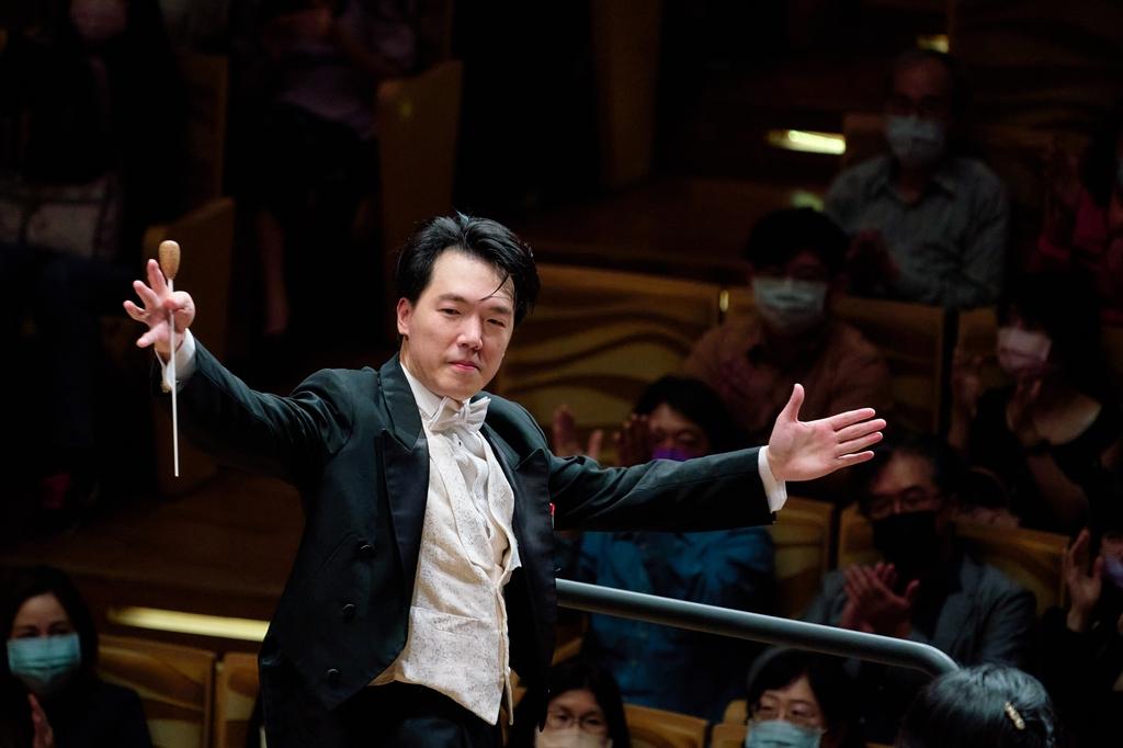 피아노 대신 포디엄…11년 만에 평창 다시 온 홍콩필 상주지휘자