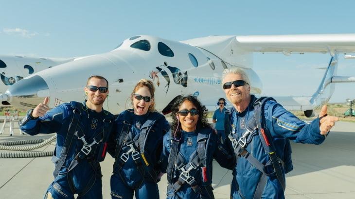 버진갤럭틱, 브랜슨 비행 성공 후 자사주 매각에 급락