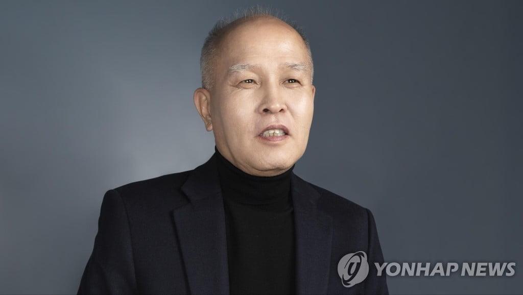 """이용우 """"177억 포기한 셈""""…카뱅 임직원 """"스톡옵션 909억"""""""