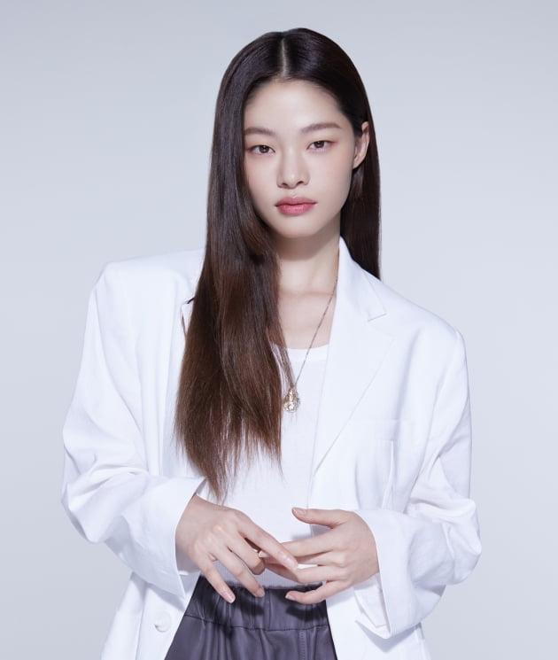 모델 겸 배우 김아현. /사진제공=앤드마크
