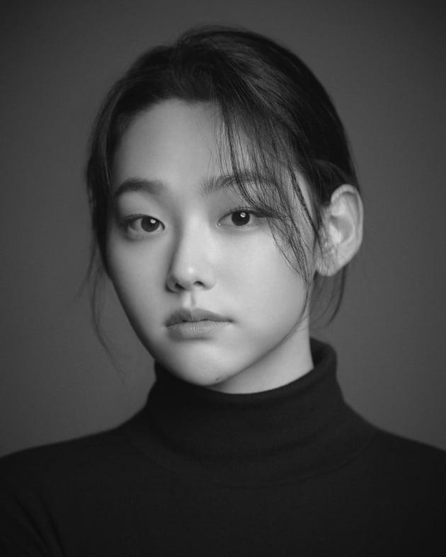 첫 사극 앞둔 강미나, 젖살 사라진 '여인의 얼굴'