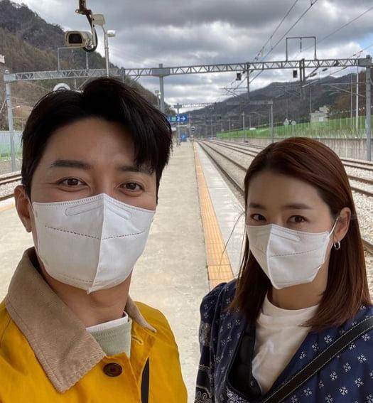 소이현(오른쪽), 인교진 부부/ 사진=인스타그램
