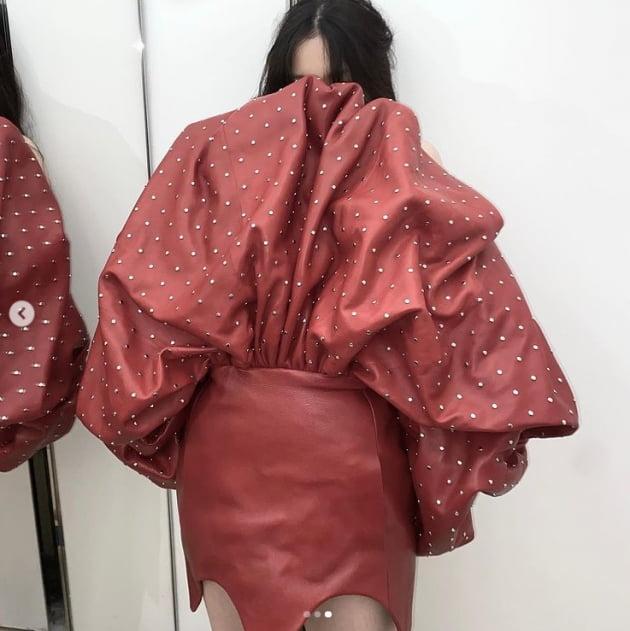 이하이, 곱창 머리끈 원피스도 소화하는 패셔니스타[TEN★]
