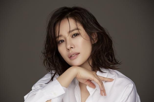 배우 김현주. /사진제공=YNK엔터테인먼트