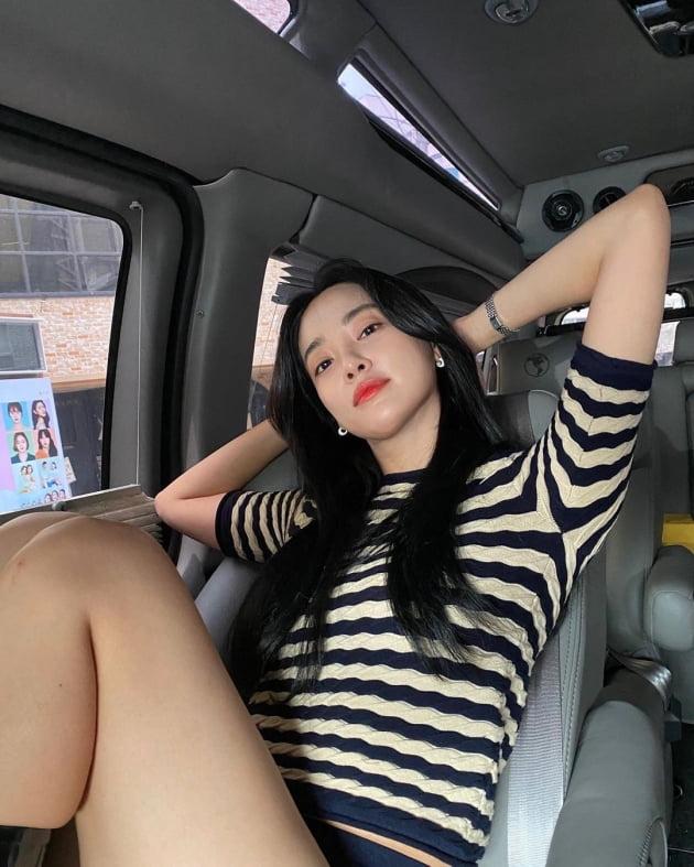 애프터스쿨 이주연, 장마철 대비는 명품C사 레인부츠 [TEN★]