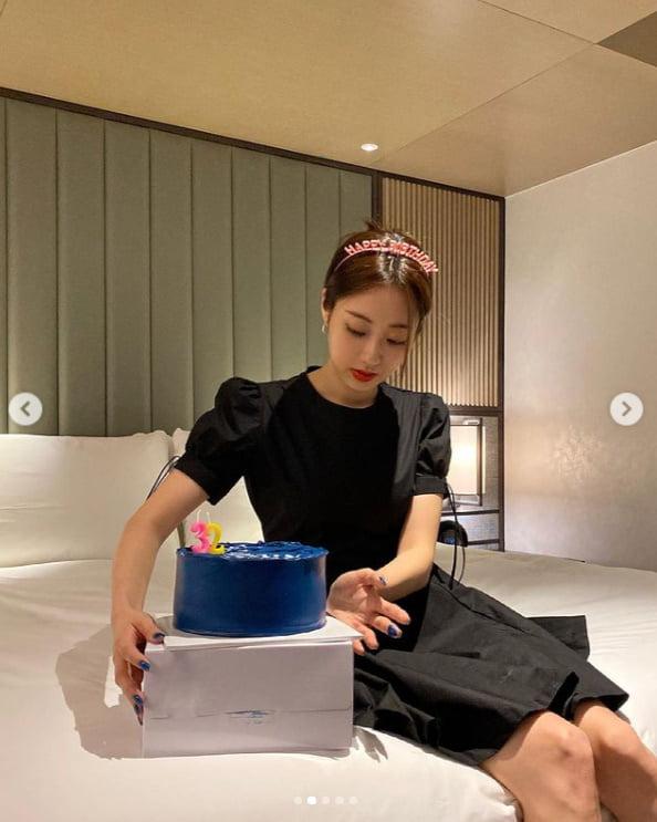 경리, 32번째 생일 케익 속 달력의 빨간날은?[TEN★]