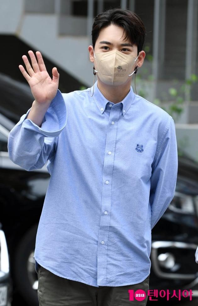 [TEN 포토] 라포엠 유채훈 '눈 호강하는 이 남자'