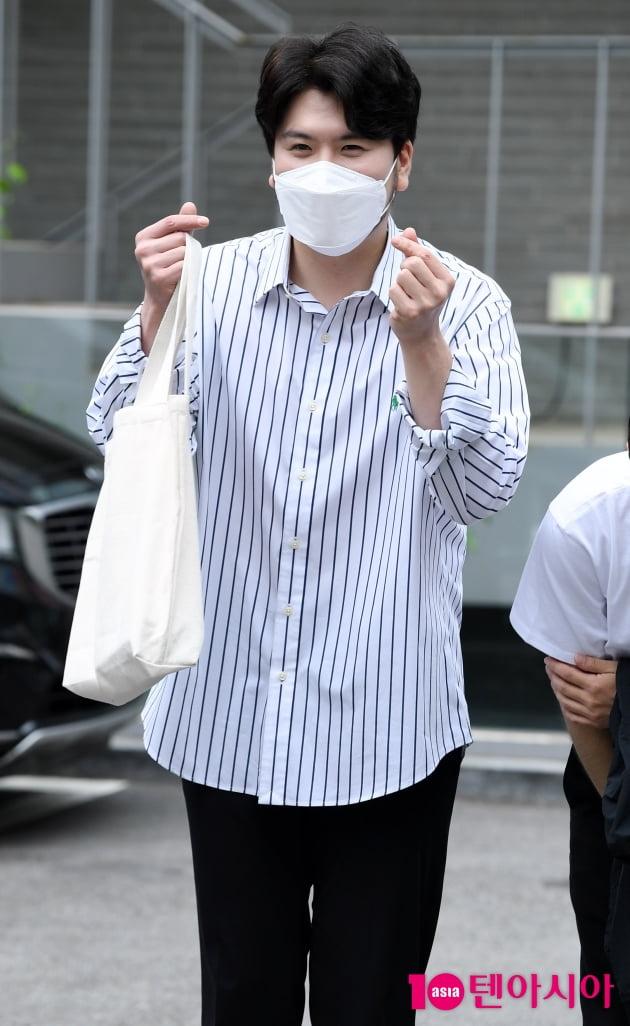 [TEN 포토] 라포엠 정민성 '포근한 하트'