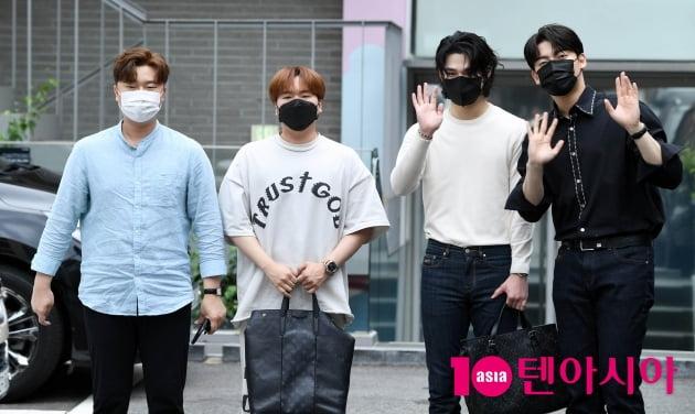 [TEN 포토] 라비던스 '포텐터진 매력남들'