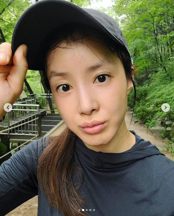 '169cm·48kg'이시영, 등산 중 민낯에도 청초한 미모[TEN★]