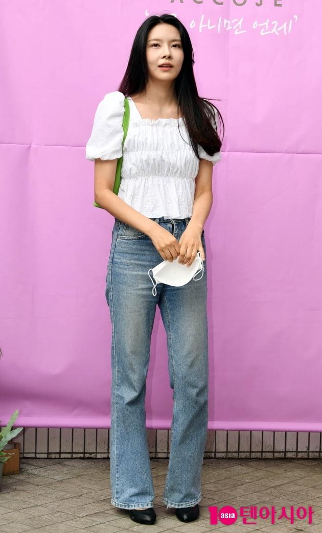 [TEN 포토] 구구단 출신 나영 '청바지가 잘어울리는 여자'