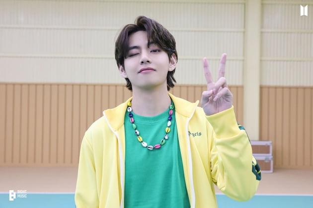 방탄소년단 뷔, K팝 솔로 가수 중 최초 자작곡 세 곡 '사운드 클라우드' 8000만 스트리밍 돌파