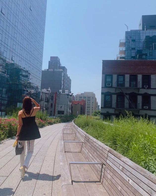 '권상우♥' 손태영, 미국 뉴욕 랜드마크 구경다니는 여유 [TEN★]