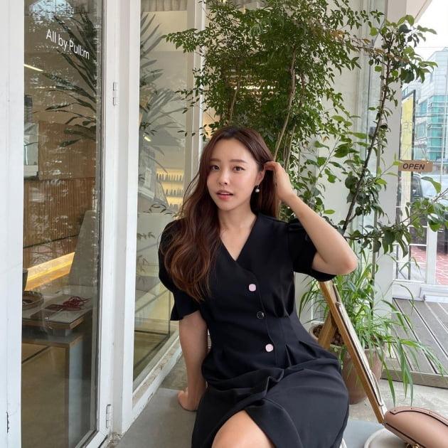 '제약회사 퇴사' 이솔이, 명품백 들고 압구정서 티타임…♥박성광이 찍어줬나 [TEN★]