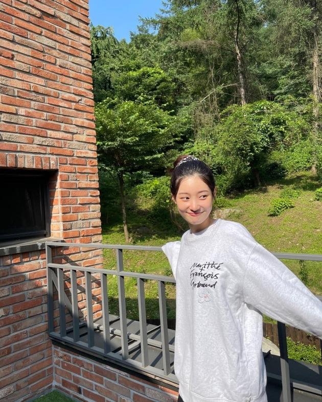 정채연, 햇살이 질투하는 미모 '눈부셔' [TEN★]