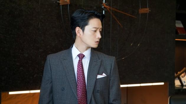 tvN 드라마 '마인'에서 효원그룹 둘째 아들 한지용 역으로 열연한 배우 이현욱. /사진제공=매니지먼트에어