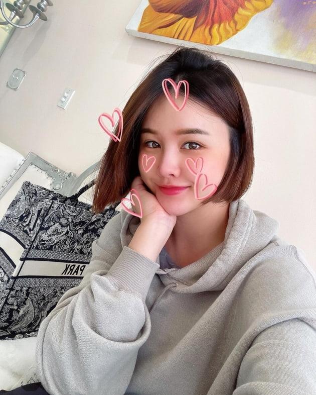 'LA댁' 박은지, D사 명품백에 이름 새겨 커스텀…리세일 필요 없는 클래스 [TEN★]