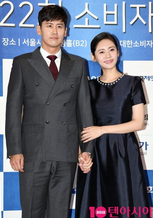 배우 우효광(왼쪽), 추자현. /텐아시아DB