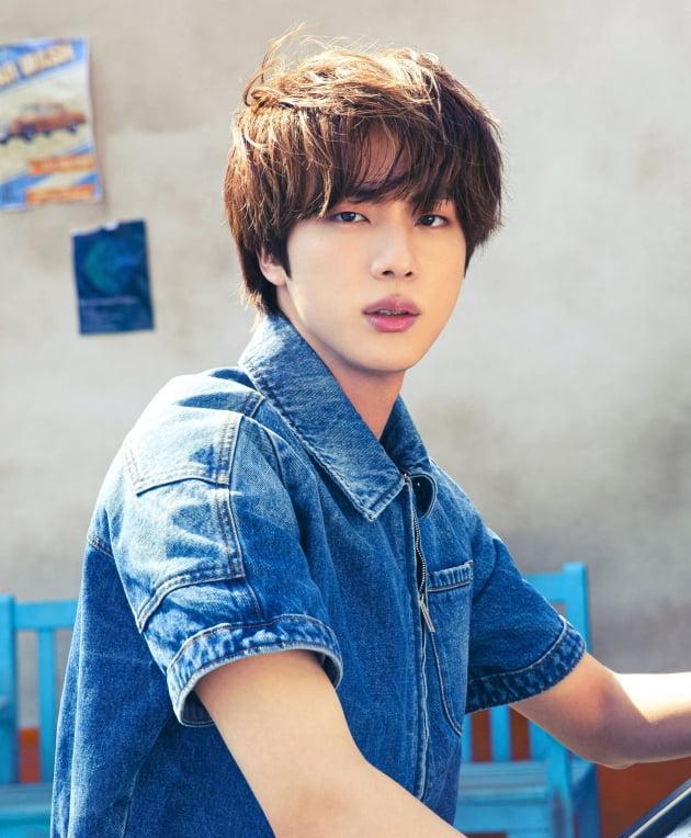 방탄소년단 진, '7월 전세계 SNS 언급 인물 1위'.. 막강한 글로벌 영향력