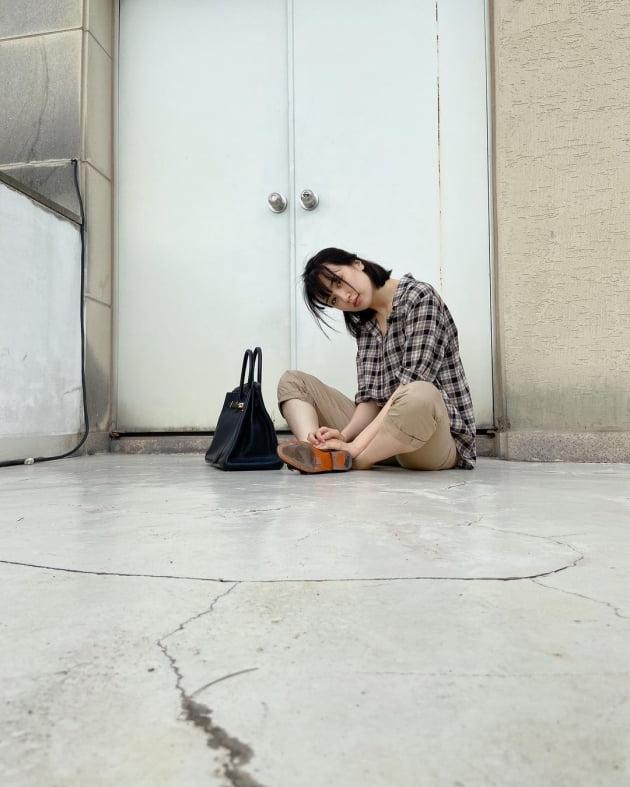 """'류수영♥' 박하선, 옥상에 H사 가방 올려두고도 덤덤한 표정 """"따라와"""" [TEN★]"""
