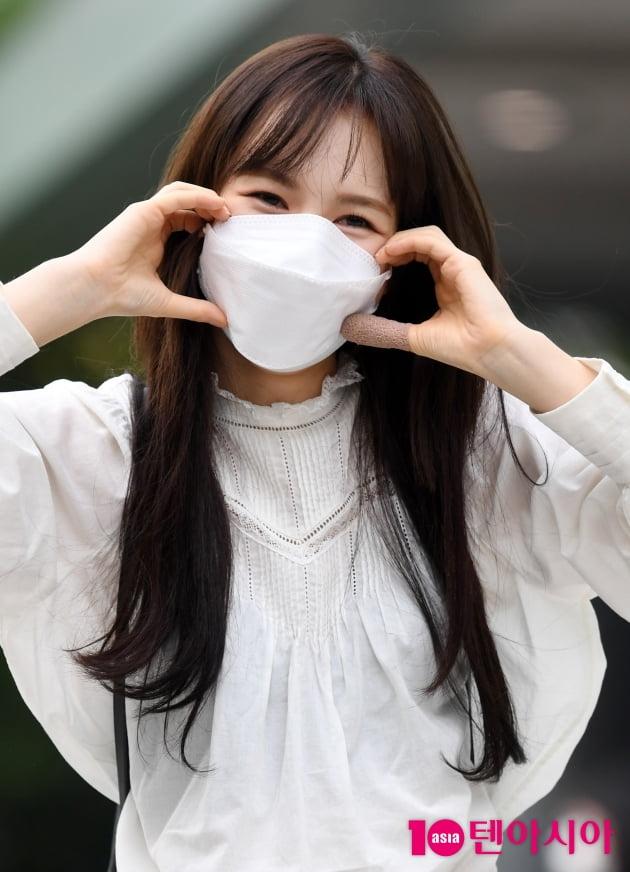 [TEN 포토] 레드벨벳 웬디 '눈웃음과 볼하트'