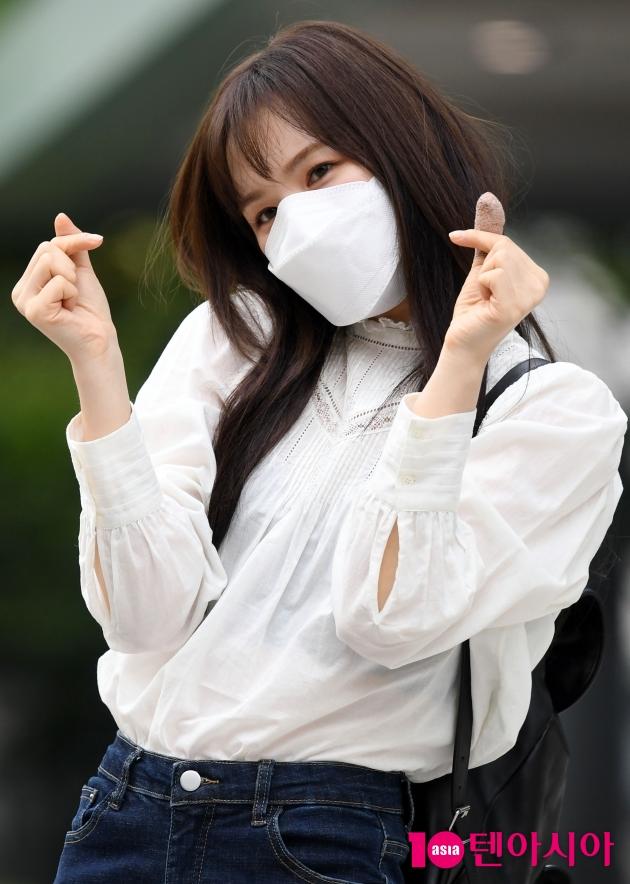 [TEN 포토] 레드벨벳 웬디 '하트 받아요'