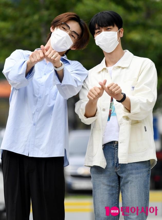 [TEN 포토] SF9 주호-영빈 '시산 집중시키는 하트'