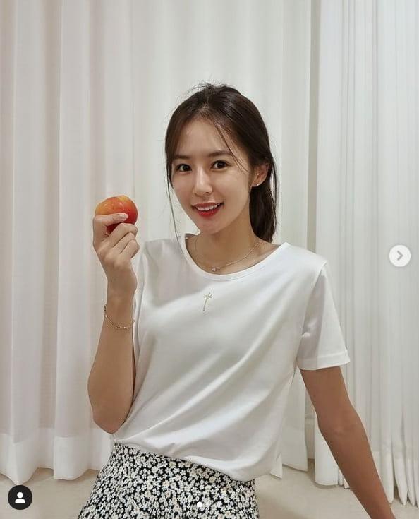 '치어리더' 박기량, 청초함 가득한 핑크빛 매력...비결은 자두?[TEN★]