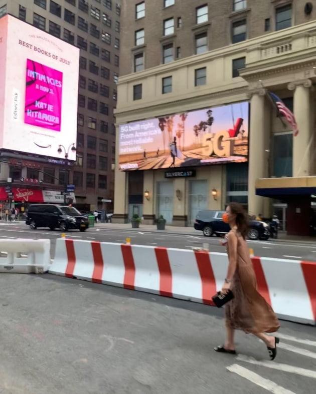 '권상우♥' 손태영, 강남 테헤란로 말고 미국 뉴욕 스트리트를 런웨이로 [TEN★]