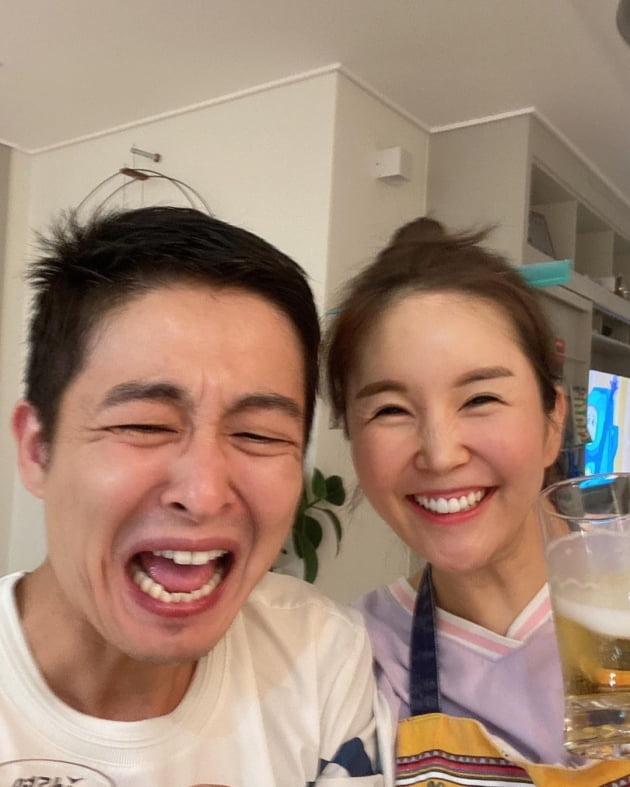 '5kg 감량' 장영란은 맥주, ♥한의사 남편은 소주…환상 궁합 '소맥 부부' [TEN★]