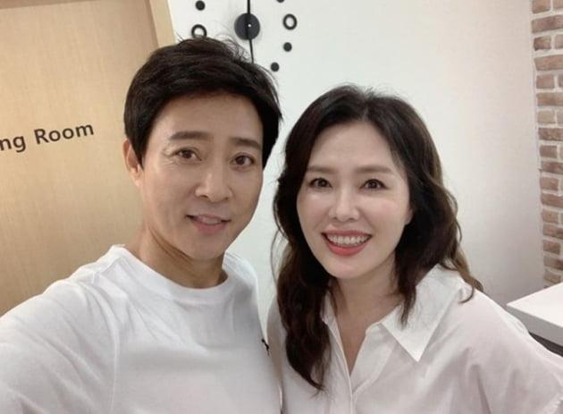 배우 최수종, 하희라 부부/ 사진=인스타그램