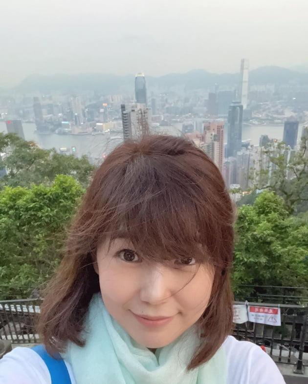 """'홍콩댁' 강수정, 머리 산발 되도 ♥금융맨과 미슐랭 데이트 """"즐거워"""" [TEN★]"""