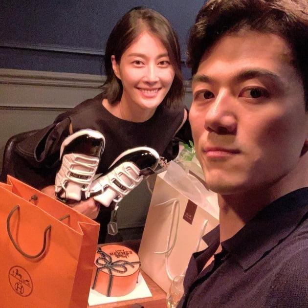 '대기업맨♥' 이현이, 명품H사 로고 찍힌 30대 마지막 생일 선물에 '울컥' [TEN★]