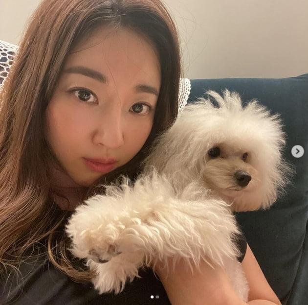 '44세' 김사랑, 명품 미모+고혹적인 분위기...빛나는 동안미모[TEN★]