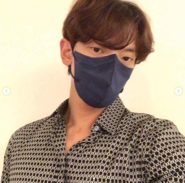 '김태희♥' 비, 마스크를 해도 잘생김[TEN★]