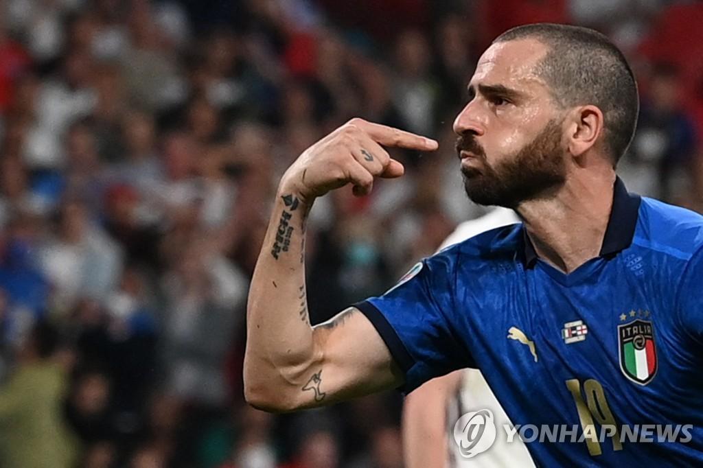 이탈리아, 53년 만에 유로 정상 복귀…돈나룸마 첫 GK MVP(종합2보)