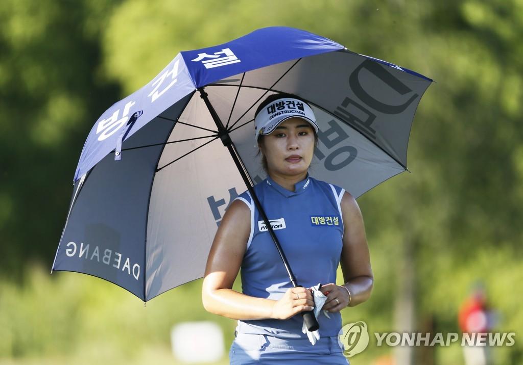 고진영·이정은, LPGA 투어 VOA 클래식 이틀째 2타 차 공동 2위