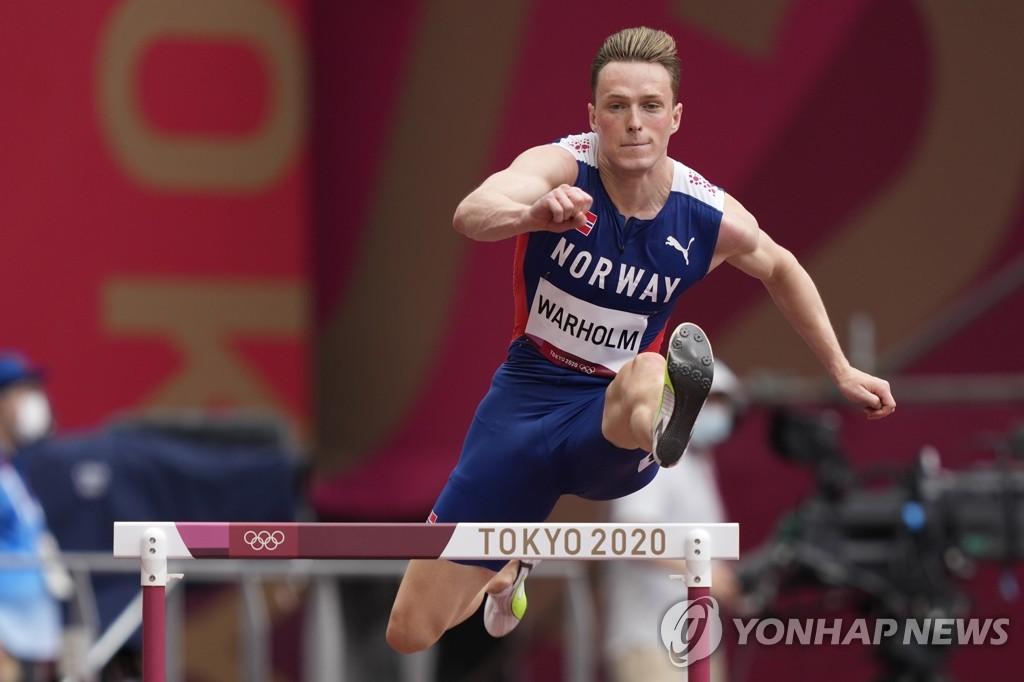 -올림픽- 프레이저-프라이스, 10초84…전체 3위로 100m 준결선행