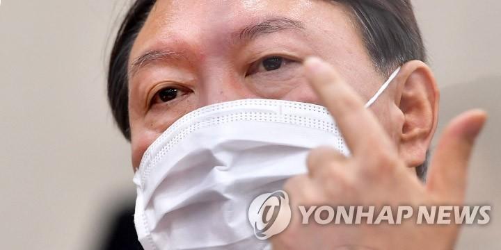 """尹, '네거티브'에 정면대응 기조로…""""독버섯 놔둘 수 없어"""""""