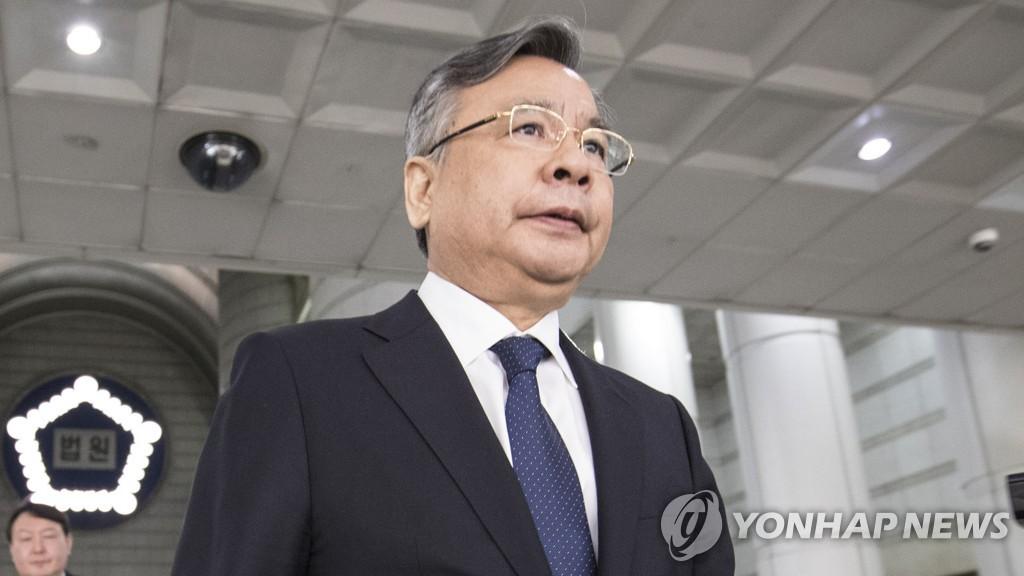 경찰, '수산업자 금품' 의혹 검사 어제 소환…총 7명 입건(종합2보)