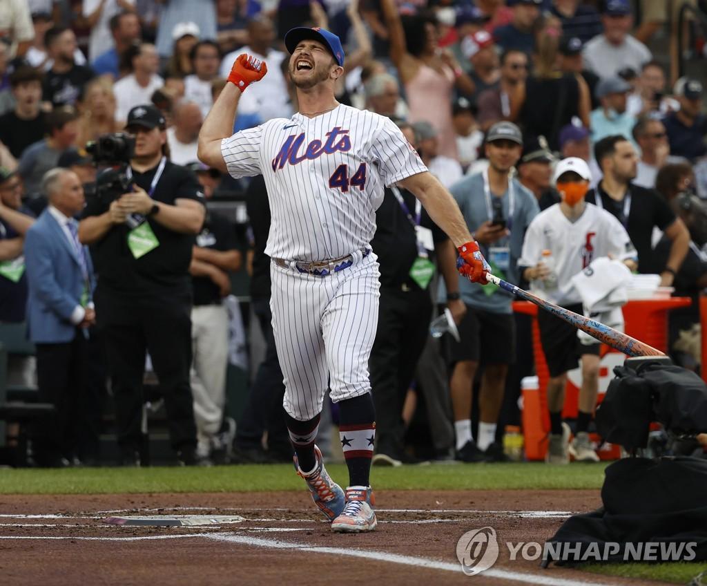 '춤추는 북극곰' 알론소, 2회 연속 MLB 홈런더비 우승(종합)