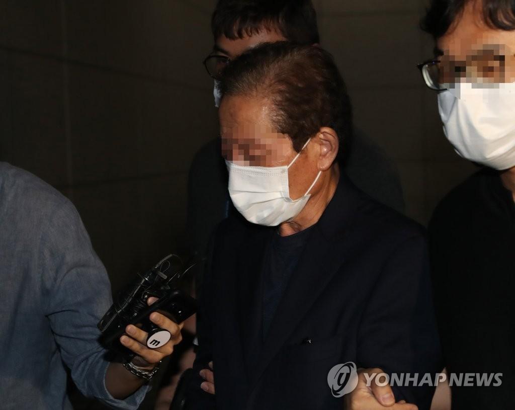 '함바왕' 유상봉 보석 중 전자발찌 훼손…처벌 규정 없어