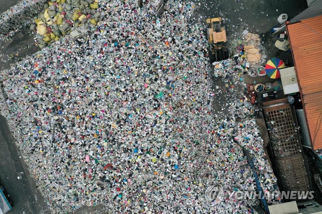 [쓰레기 대란]⑥ 소각장 '지역 명물' 만든 日, 매립세 올려 쓰레기 줄인 EU