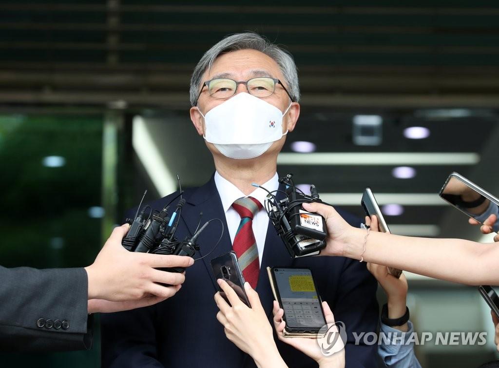 '尹 대항마' 최재형 잠행 일주일째…막판 숨고르기?