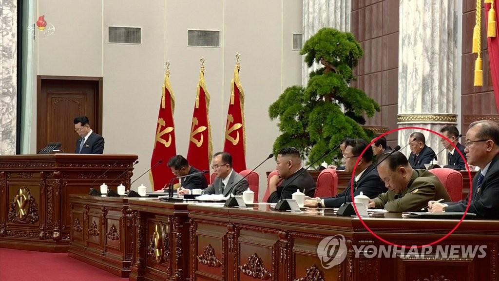 북한 '넘버2' 최룡해 건재 확인…최고인민회의 상임위 회의 주재(종합)